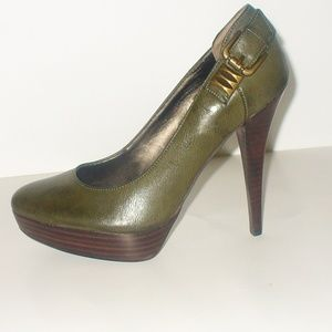 Guess Stiletto Pumps Brass Hardware Womens 71/2M
